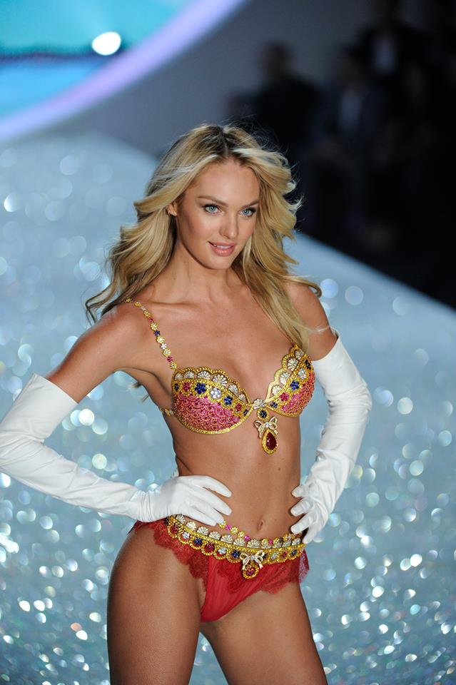 The opener was Candice, who wore the $10 million dollar bra. Which is always amazingly beautiful!